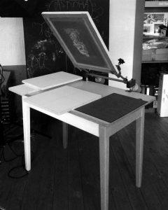 sietotlač-pracovný-stôl